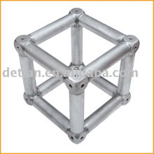 Multicubes, truss connector for conical coupler truss system