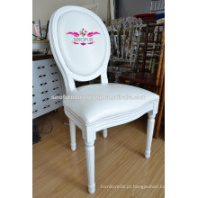 Cadeira de louis de casamento branco de classe alta
