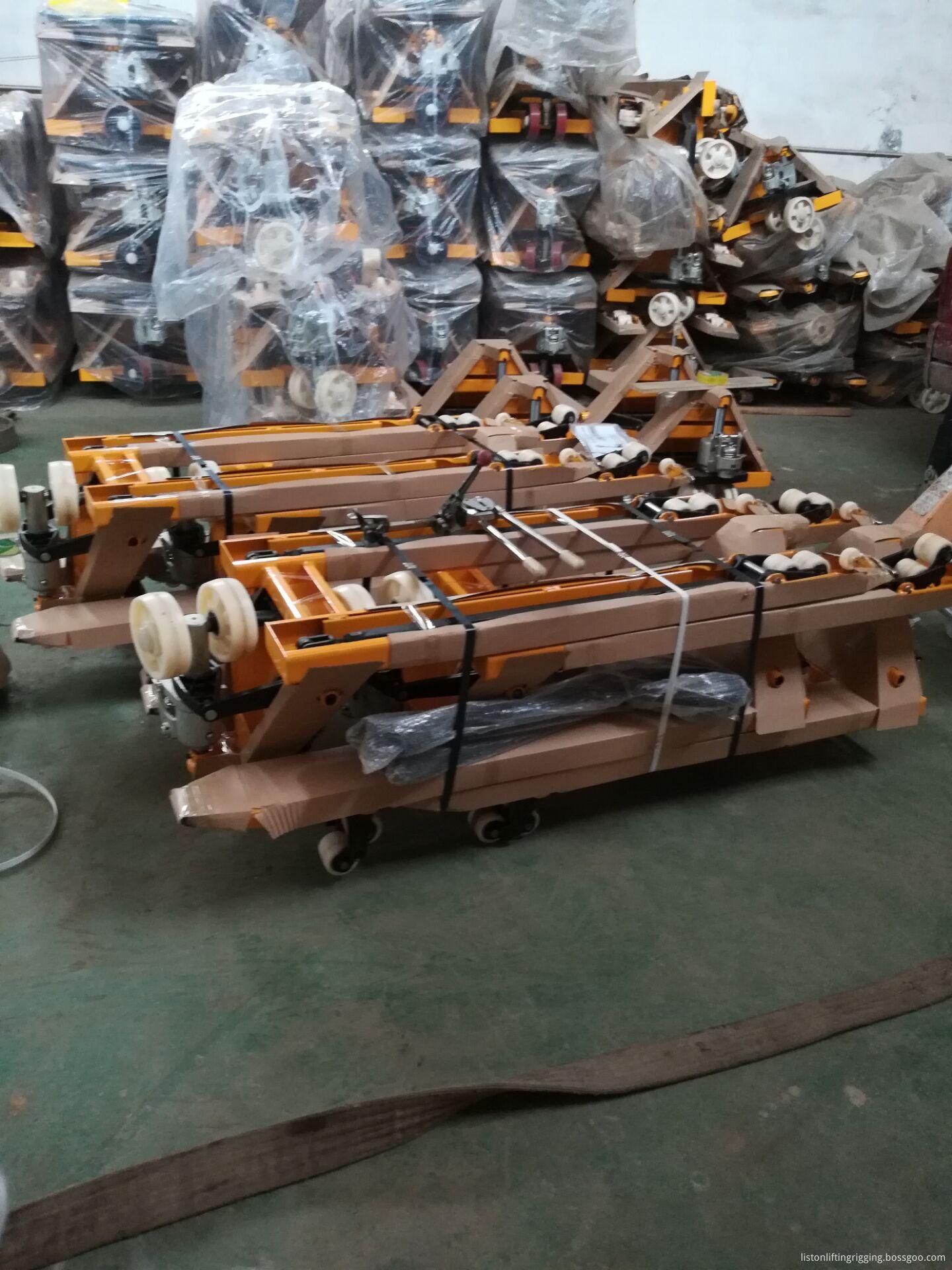 hydraulic roll lifter pallet truck