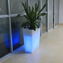 Cubo de hielo para exteriores con cambio de color LED