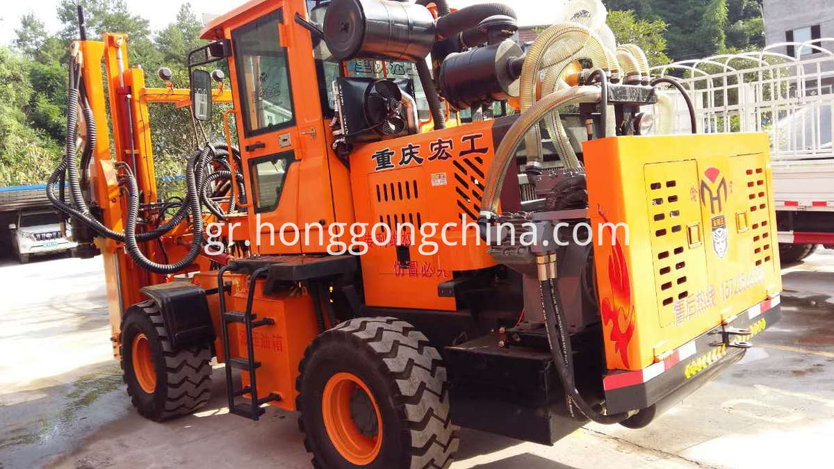 Cab Closed Hydraulic Guardrail Pile Driver