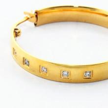 Alibaba nuevos diseños de aretes redondos de diamantes de oro de llegada