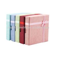 Boîte à bracelet en carré simple et magnifiquement colorée HH138