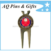 Custom Golf Divot Tool in Antique mit Ball Marker (Golf-10)