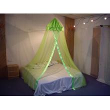 Grüner Samt mit quadratischem Top-Doppelbett-Baldachin