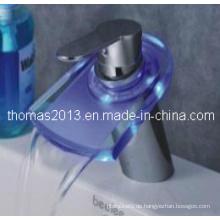 Modisch gestaltete LED Wasserfall Masin Mixer (Qh0816f)