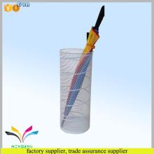 Hochwertiger China Großhandel billig dekorative Metalldraht Indoor Regenschirm stehen