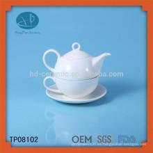 Tazas de té turcas / tazas de té desechables y platillos / prensa francesa