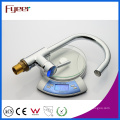 Fyeer Messing Waschbecken LED Küchenarmatur, Power durch Wasserdruck, Keine Batterie Wassermischbatterie Bibcock