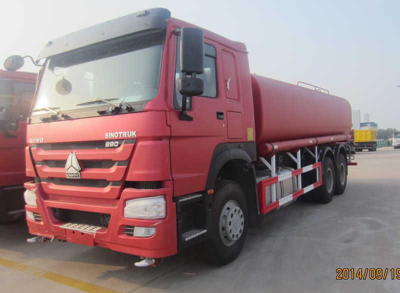 Sinotruk Howo 20 Cubic Meter Water Truck Red