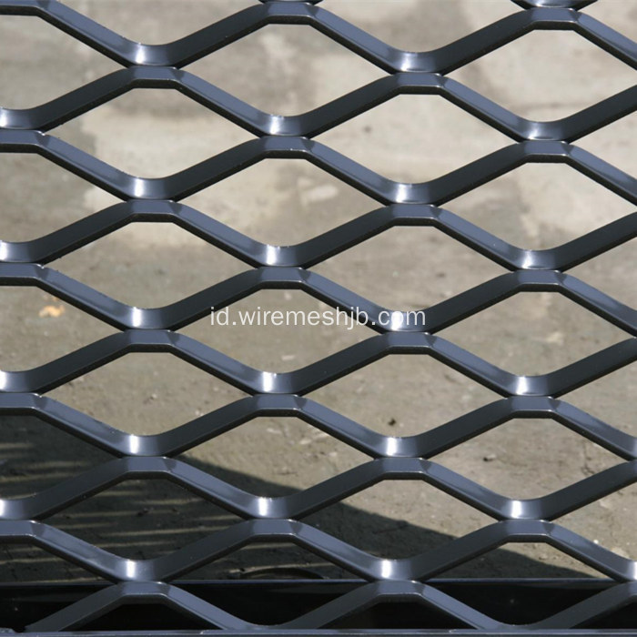 Hot-dip Galvanized Expanded Metal Mesh Fence