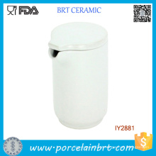 Jarro exclusivo de cerâmica branca fosca para água quente e fria com tampa