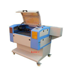 Máquina de corte a laser de CO2 que é ampla aplicação