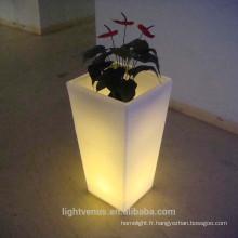 Pots de jardin à la maison auto-arrosage en plastique pp planteur a conduit des pots de planteur lumineux