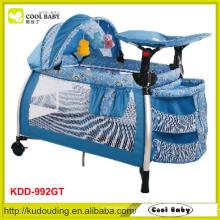 Bequemer blauer Baby Laufstall