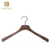 2021 New arrival high bespoke deluxe wooden fur coat hangers for wholesale