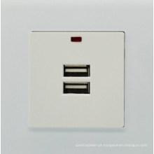 De boa qualidade Tomada universal do poder do soquete dobro do carregador da parede de USB