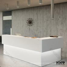 Design do balcão de recepção do hotel branco / recepção do restaurante