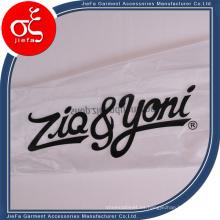 Bolsa de plástico al por mayor barata de China Supply para el empaquetado de la ropa