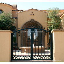 Porte d'entrée en fer forgé conçue pour la maison Priviate