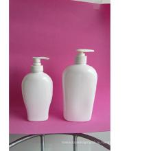 Бутылка с дезинфицирующим средством для рук объемом 500 мл с дозатором геля