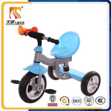 Passeio no carro de pedal de três rodas para crianças à venda