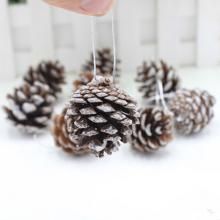 Décoration de Noël Petite pomme de pin en bois