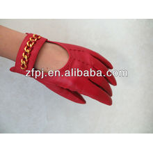 Guirlande de poitrine Gants rouges en cuir pour femme