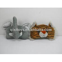brinquedo de máscara de festa de pelúcia e pelúcia