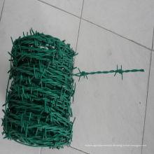 Grüner PVC-überzogener 2mm Stacheldraht
