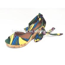 La sandalia bohemia de la cuña del alto talón del verano de las mujeres del zapato del estilo ata para arriba las bombas de las mujeres