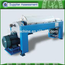 Horizontal centrifuge separator with drum