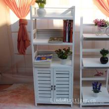 A sala de jantar kichen a mobília de madeira dos armários de armazenamento da porta dos aparadores da mobília