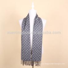 bufanda de lana de jacquard de color gris para hombre
