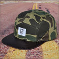 Chapéu de camuflagem em couro snapback