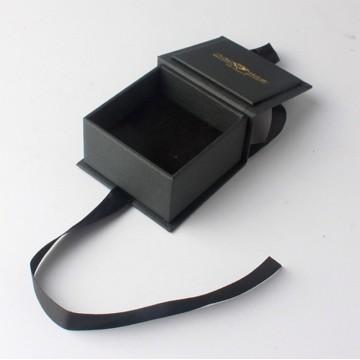 Quadratische schwarze Halskette Schmuckpapierkasten