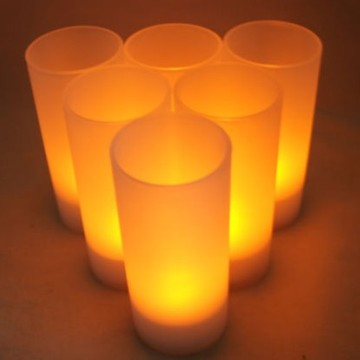 Realistic rechargeable LED tealight candle
