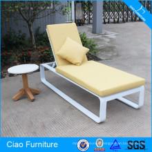 Chaise longue en aluminium avec coussin