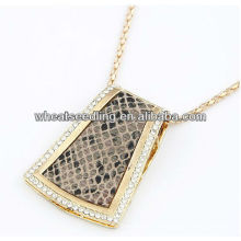 Gros collier pendentif en léopard bijoux JN13