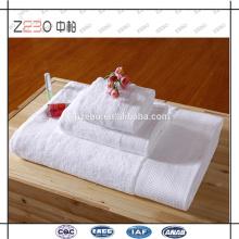 Pure White Custom Bordado Logo Toallas de baño Juego de toallas de 5 estrellas