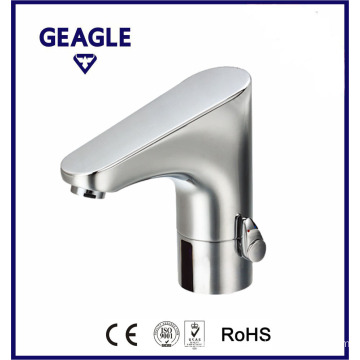 Brass with chrome finish integrated sensor tap ZY-8800