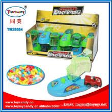 Acelerando a condução de brinquedo de sapato de carro mini com apontador de doces