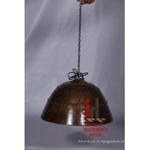 Lampe suspendue en fer