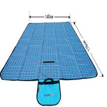 Blaues schönes leichtes tragbares Bett-kampierende Picknick-Matte