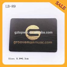 LB89 Custom negro vaqueros etiqueta de cuero personalizados en relieve patches de cuero con logo de oro