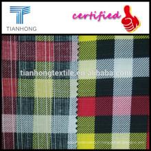 modèle de plaid chèque imprimé sur popeline de coton tissent dans slub fibre tissu léger 121 gsm pour chemise