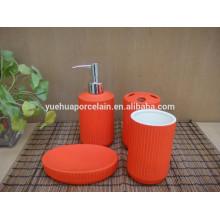 2015 Nuevos accesorios de cerámica al por mayor del cuarto de baño del diseño fijaron el producto del baño