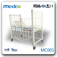 MC001 Krankenhaus Zimmer zwei Kräne Kinderbett