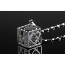 2015 Exclusively Designed Square Shape Diamond Inner Fashion Pendant