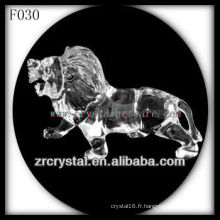 Lion sculpté à la main en cristal K9